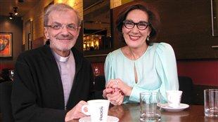 L'abbé Raymond Gravel et Danièle Henkel