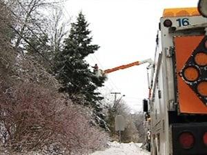 La tempête hivernale continue de donner du fil à retordre à Énergie Nouveau-Brunswick.