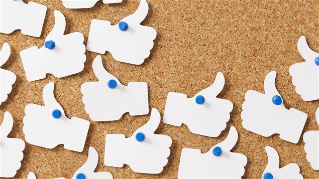 Des logos « J'aime » de Facebook