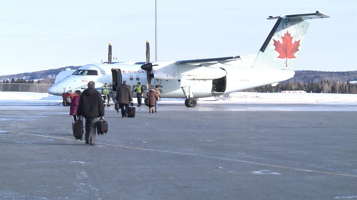 Embarquement à l'aéroport de Gaspé