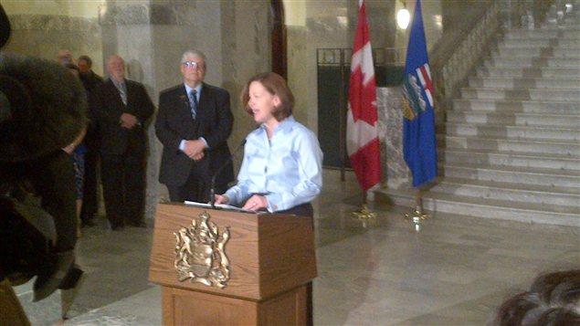 La première ministre de l'Alberta, Alison Redford, lors de l'annonce de sa démission