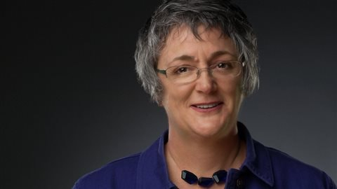 Les enjeux et stratégies des partis avec la politologue Laure Paquette de l'Université Lakehead à Thunder Bay.