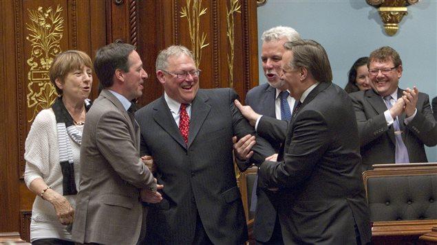 Les chefs de parti ont accompagné Jacques Chagnon, président élu de l'Assemblée nationale, sur son siège.