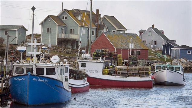 Bateau de pêche aux homards en Atlantique.