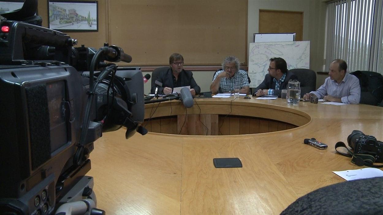 Les pêcheurs demandent des explications concernant l'Ocean Breaker.