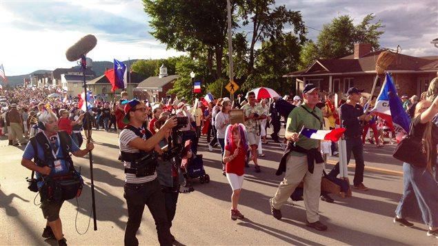 Plus de 10 000 personnes ont participé au Tintamarre dans le cadre du CMA 2014, au Maine.