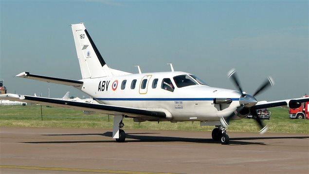 Un petit avion qui ne r pondait plus s 39 crase au large de for Lien dans une nouvelle fenetre