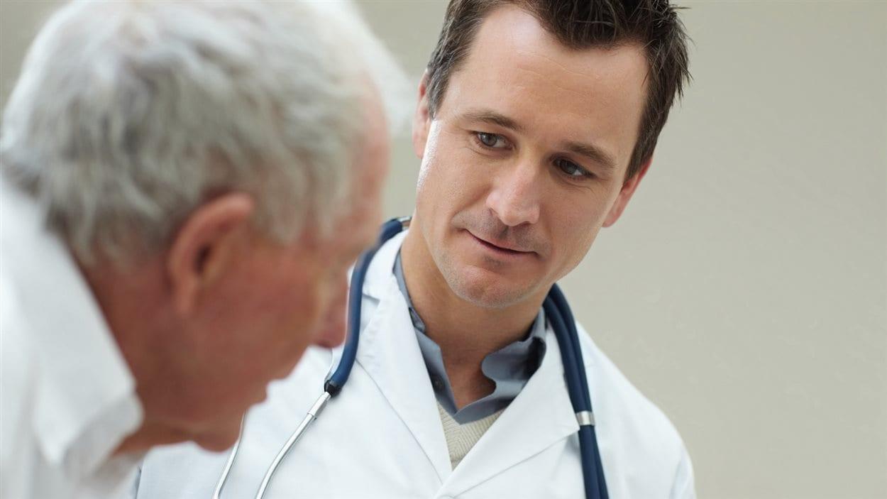 En 2013, 77 % des Québécois disaient avoir un médecin de famille.