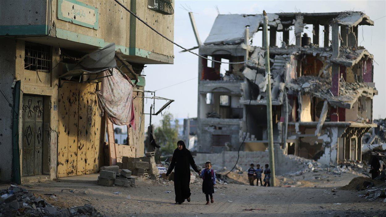 Un des immeubles qui ont été détruits à Gaza durant la guerre de 50 jours entre le Hamas et Israël, selon des témoins.