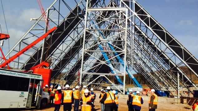 La construction de la cimenterie de Port-Daniel-Gascons avance bien.