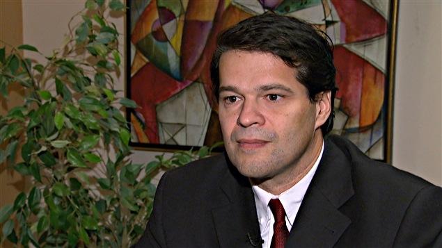 Luc Dupont, professeur en communication à l'Université d'Ottawa.