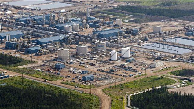 Une usine de Suncor, près de Fort McMurray, en Alberta
