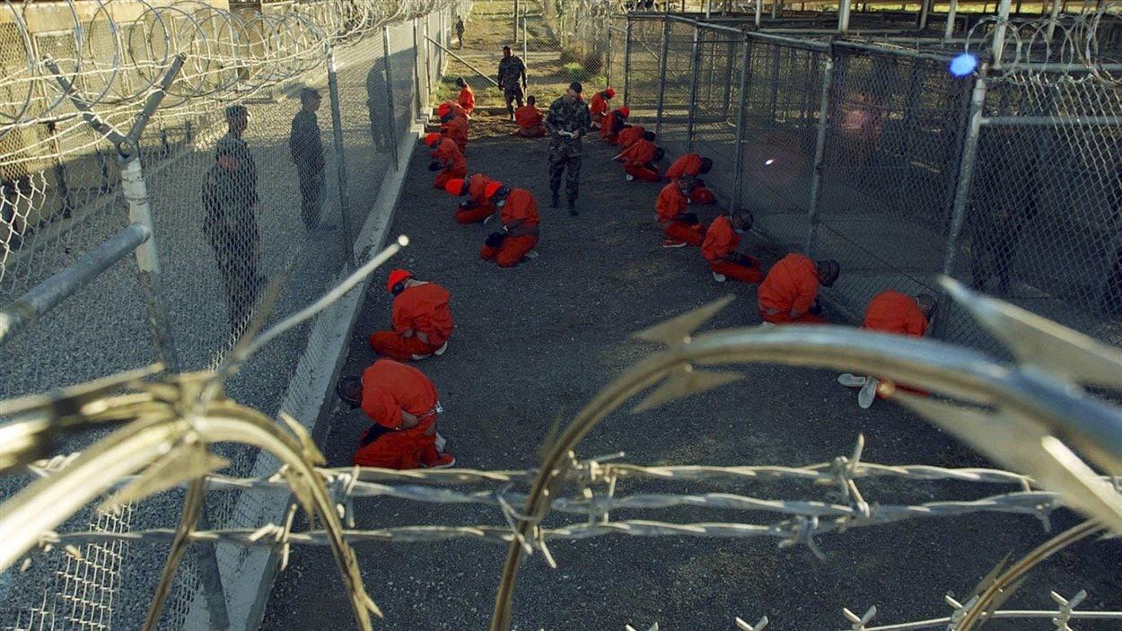Détenus sur la base américaine de Guantanamo, à Cuba (2011)