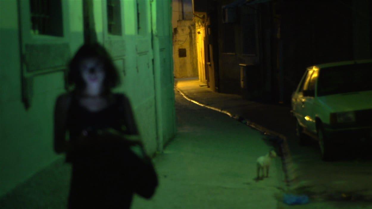 Le documentaire «Le profil Amina» réalisé par Sophie Deraspe et produit par Esperamos Films, en coproduction avec l'Office national du film du Canada (ONF), en Sélection officielle au festival de Sundance.
