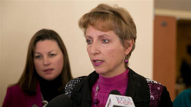La députée France Gélinas est porte-parole du NPD en matière de santé.
