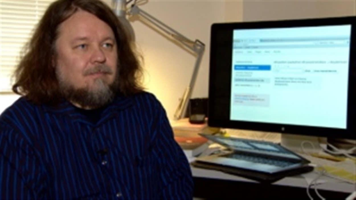 Le professeur de linguistique de l'Université de l'Alberta Antti Arppe.