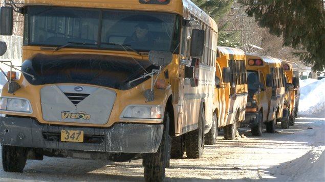 Dans les Hautes-Laurentides, les autobus scolaires servent aussi à transporter des citoyens vers les centres urbains.