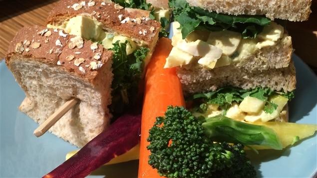 Sandwich au tofu et aux pommes