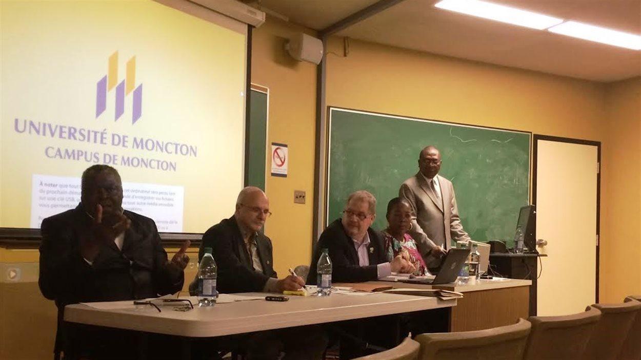 Table ronde à l'Université de Moncton contre le racisme