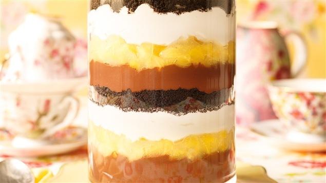 Ricardo - Trifle au chocolat et à l'ananas - Émission du 13 avril 2015