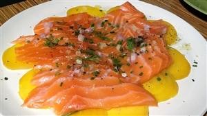Saumon et betteraves marine´s et grillés au four