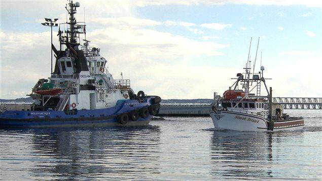 Le navire Simon-Bernard au quai de Sept-Îles