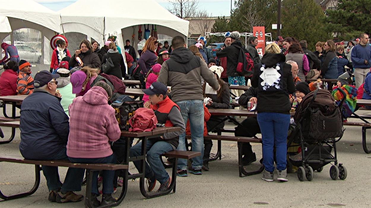 Près de 500 personnes ont été à la marche de sensibilisation de l'autisme, à Gatineau.