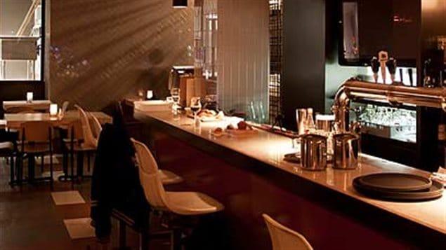 Une partie du bar au Bistro-Brasserie Les Soeurs Grises à Montréal