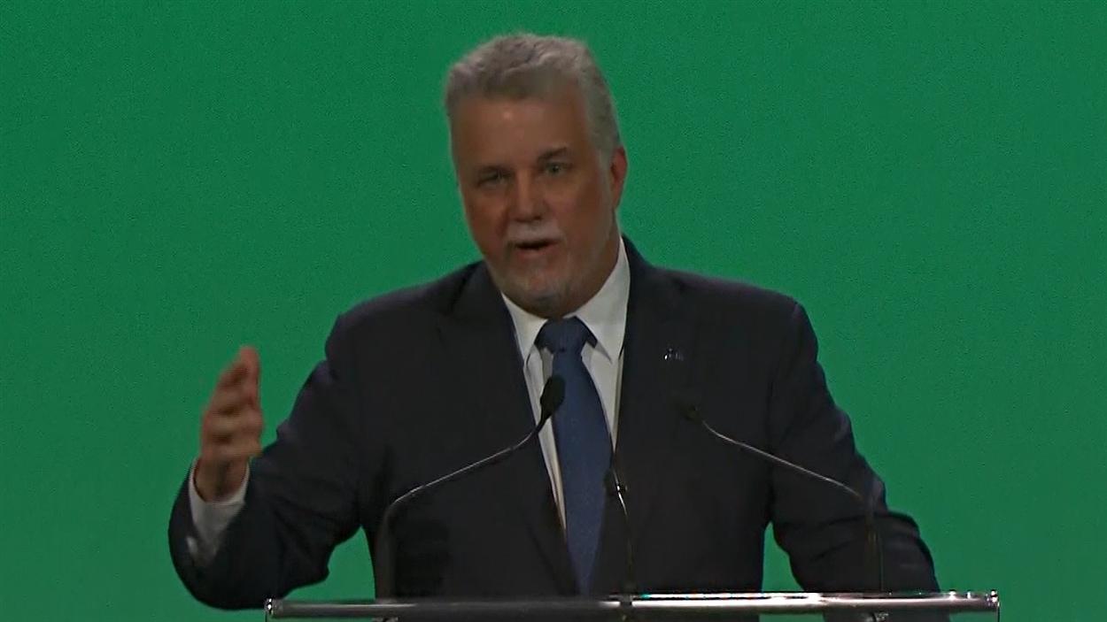 Le premier ministre du Québec, Philippe Couillard, livre un discours aux assises de l'UMQ.