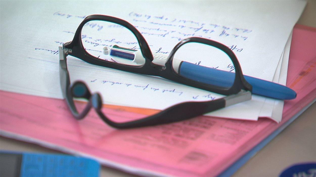 Des cours, un stylo pour la prsie de notes