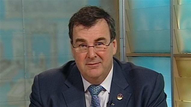 Le ministre de l'Éducation, François Blais, entend déposer un projet de loi pour réformer la gouvernance des commissions scolaires.