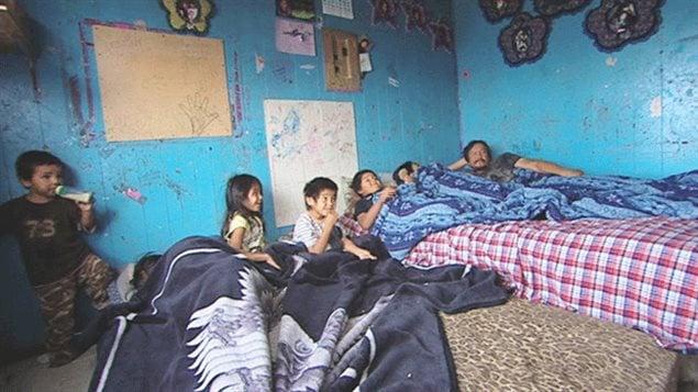 L'intérieur d'une maison à Pikangikum