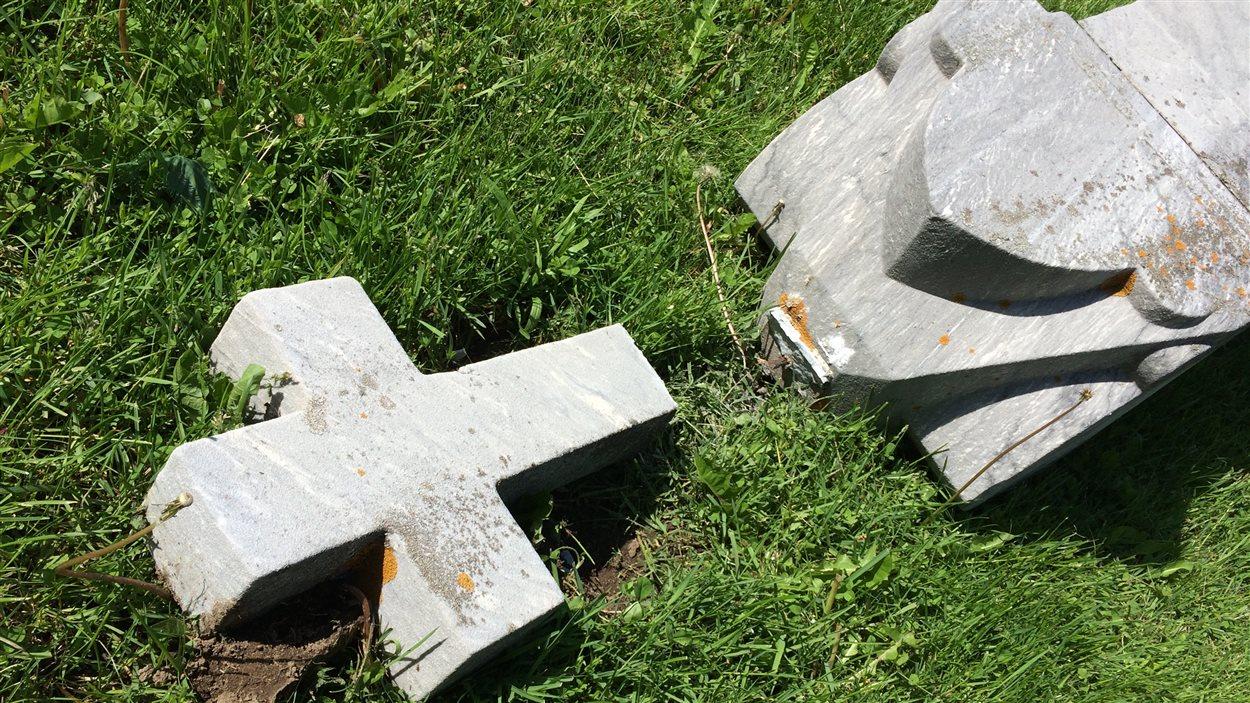 Le cimetière Saint-Charles a été vandalisé la nuit dernière
