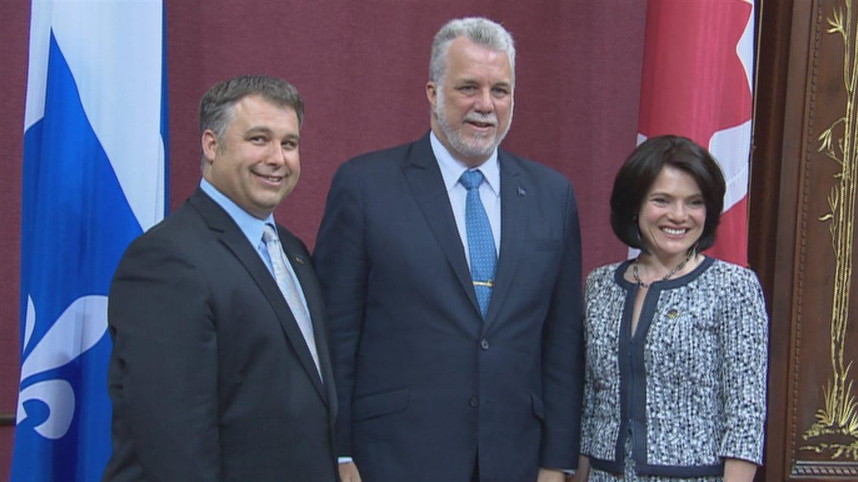 Les deux nouveaux députés libéraux, Sébastien Proulx et Véronyque Tremblay, ont été assermenté au Salon rouge.