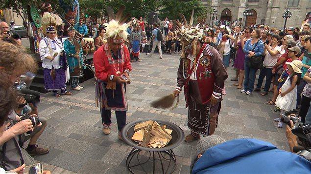 Les peuples autochtones aspirent une renaissance for Lien dans une nouvelle fenetre
