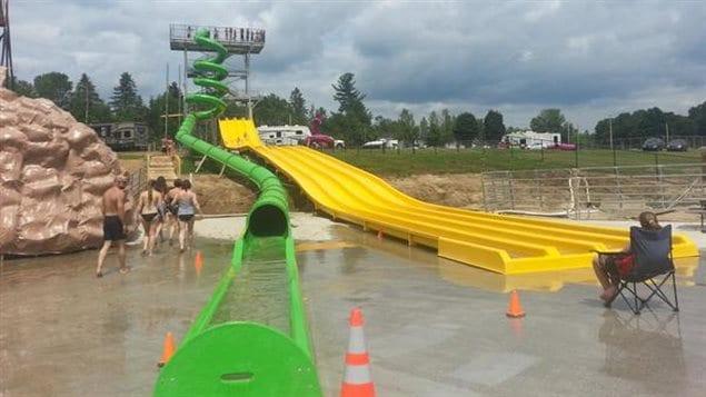 Un nouveau parc aquatique sainte genevi ve de batiscan for Camping a quebec avec piscine