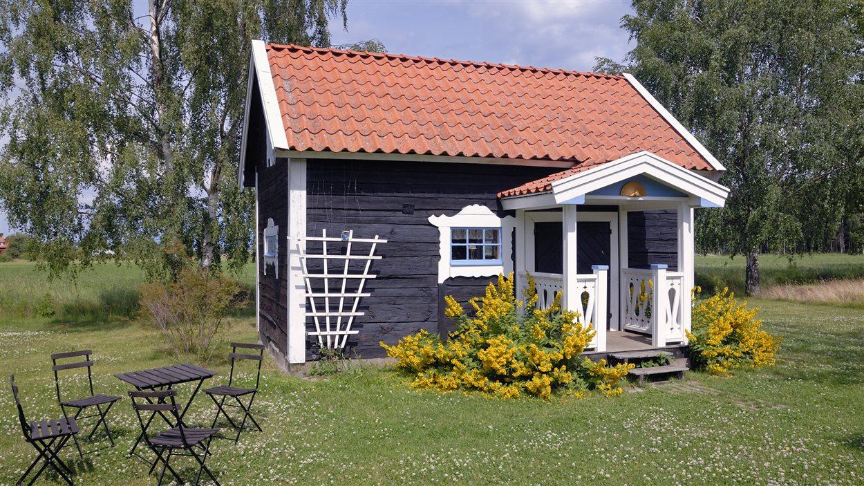 La construction de mini maisons au qu bec est elle trop r glement e ici radio for Construire sa maison sur un terrain agricole
