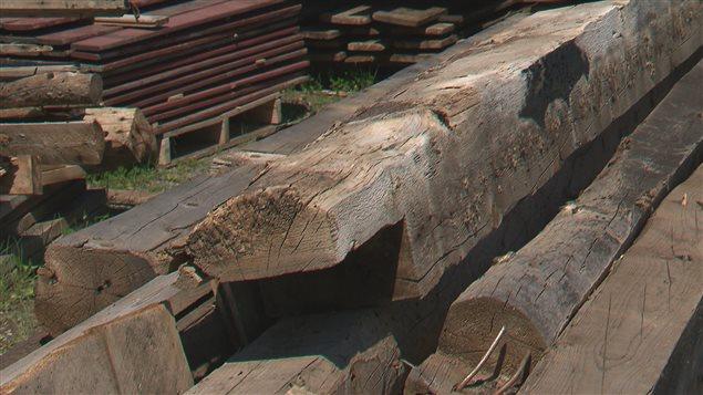 R cup ration du bois de grange perte ou pr servation du for Meuble avec bois de grange