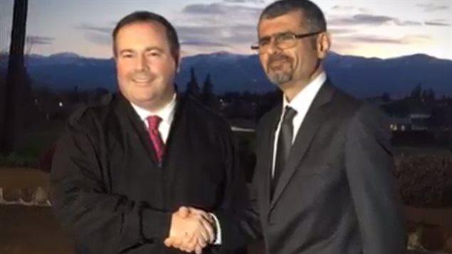 Saren Azer, un médecin recherché par la GRC pour l'enlèvement de ses enfants, a agi à titre de consultant auprès de l'ex-ministre Jason Kenney.
