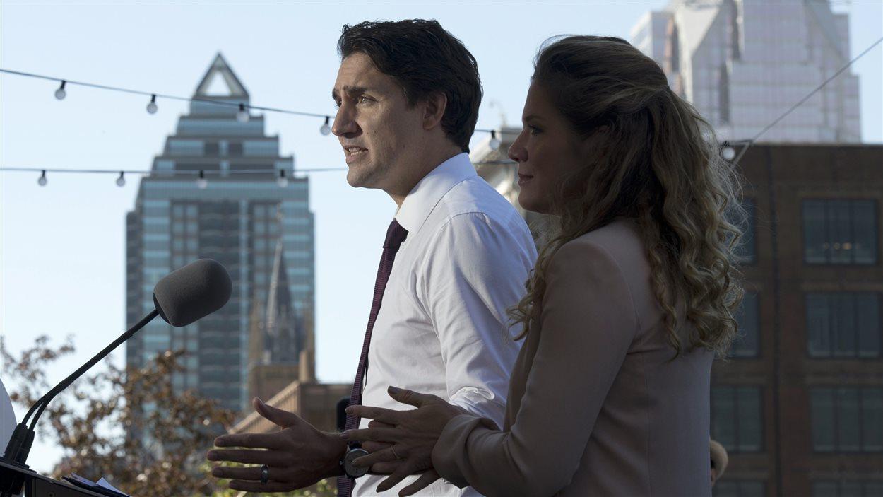 Justin Trudeau a été présenté par son épouse Sophie Grégoire, avant de faire son annonce à Montréal.