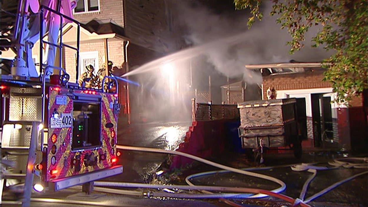 Un incendie ravage une maison du secteur hull ici radio for Garage gatineau fontaine le comte
