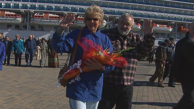Linda Moore est la 200 000e touriste à fouler le quai d'escale