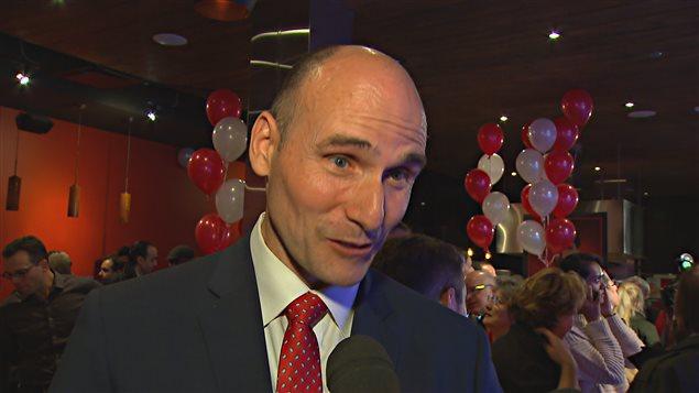 Jean-Yves Duclos promet de revoir le dossier du port de Québec.