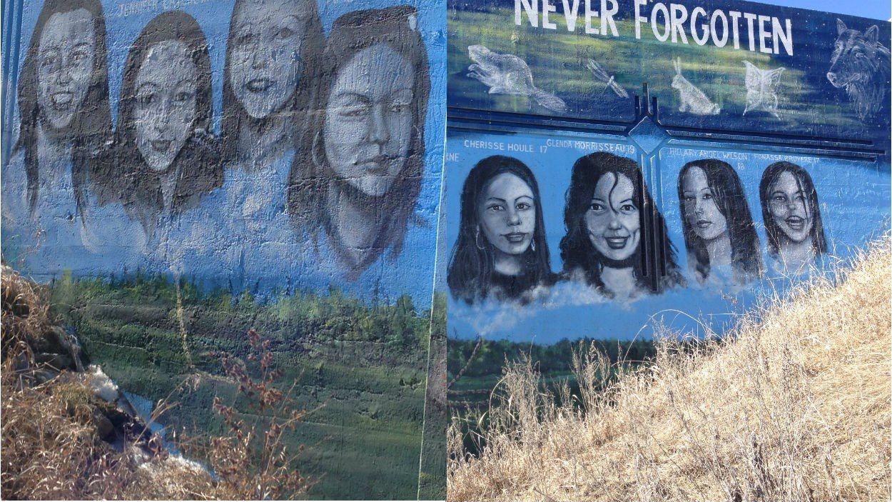 Murale représentant des femmes autochtones disparues ou assassinées à Winnipeg. Plus de 125 femmes autochtones sont portées disparues ou assassinées au Manitoba.