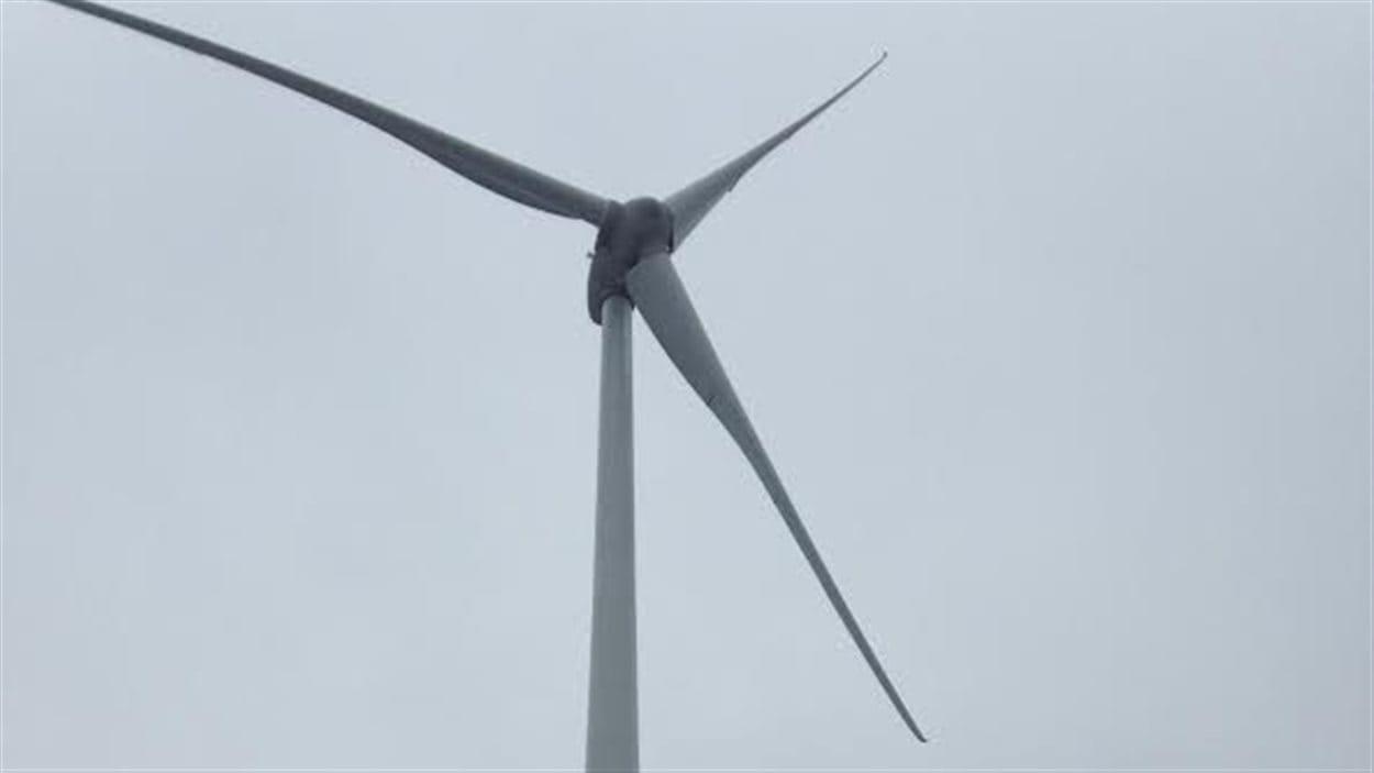 Une éolienne du parc Ellershouse en Nouvelle-Écosse