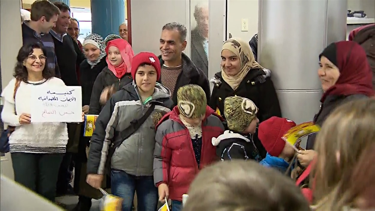 accueil des r fugi s syriens le gouvernement du n b esp re plus d 39 aide du f d ral ici radio. Black Bedroom Furniture Sets. Home Design Ideas