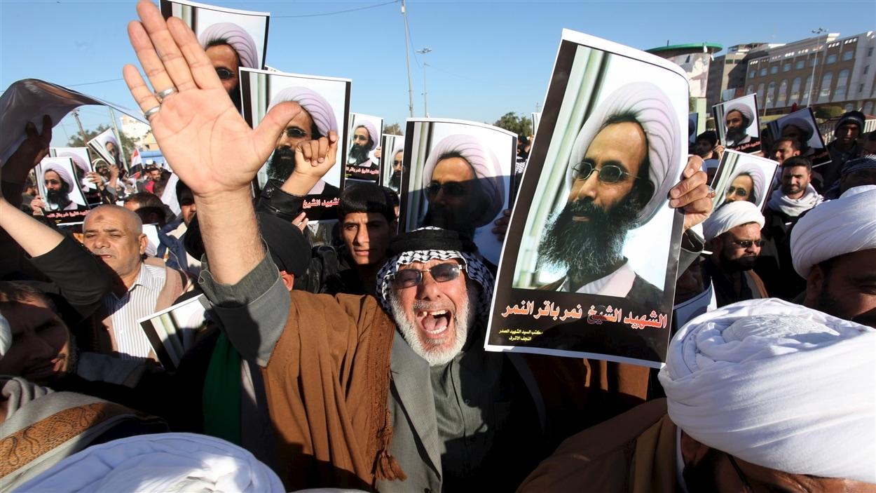 Des Irakiens ont défilé dans les rues de Najaf lundi pour protester contre l'exécution du cheikh