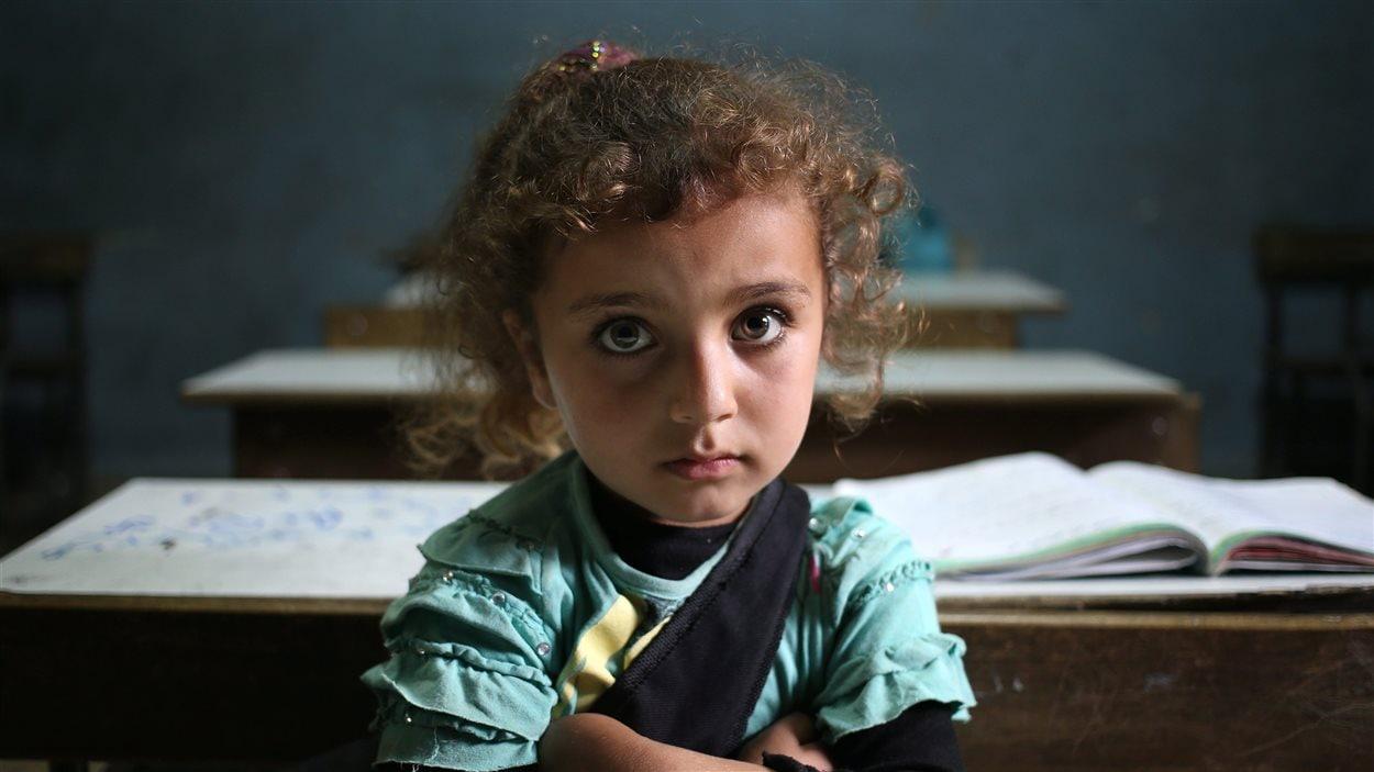 Une petite réfugiée syrienne au Liban
