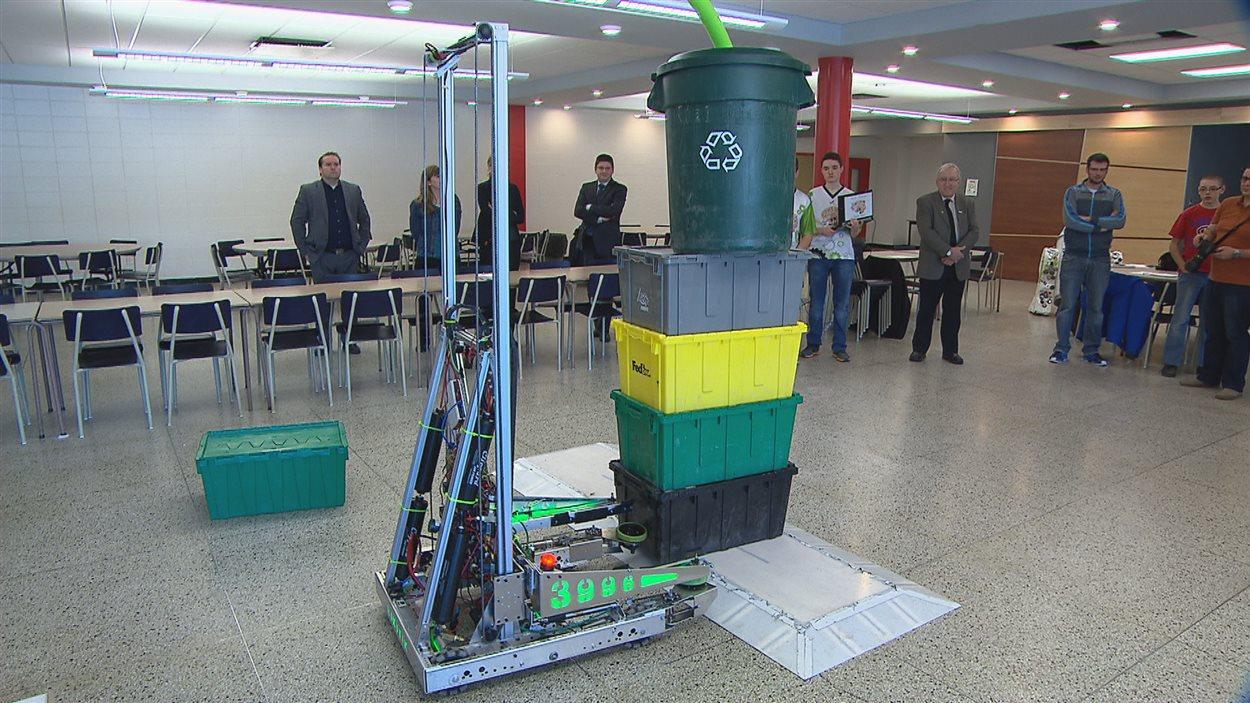 Robot présenté par l'équipe de Rimouski en 2015 à la compétition First