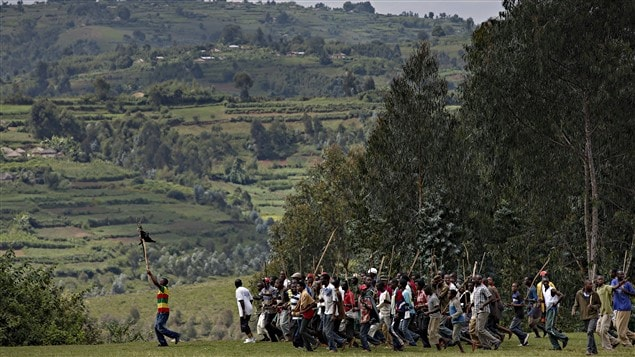 Des opposants au président Nkurunziza, lors d'une marche organisée en juin 2015 près d'Ijenda.